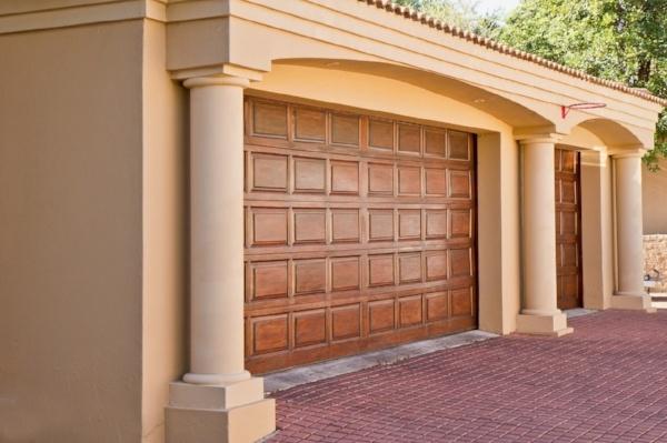 real-estate-374190_1280-640275-edited.jpg